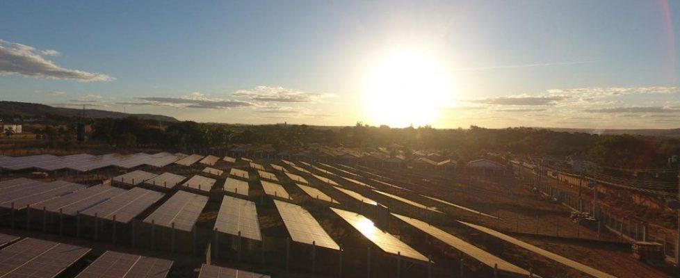 Usina-Fotovoltaica---Imagem-do-Facebook---Magda-Mofatto-Hon